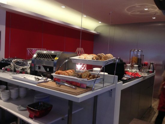 Ovolo Noho: The breakfast spread