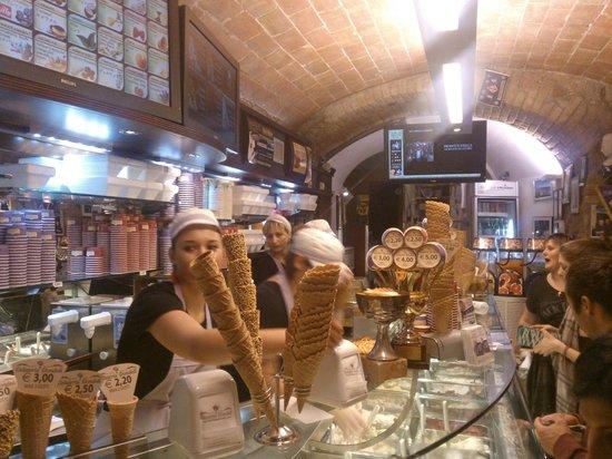 Gelateria Dondoli: ancora gelato!