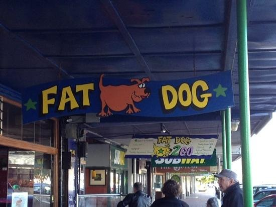 Fat Dog Cafe & Bar : Fat Dog, you cant miss this sign :)