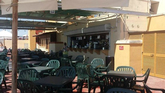Soreda Hotel: Roof top bar