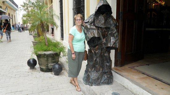 Los Frailes Boutique Hotel Havana : Front of Hotel