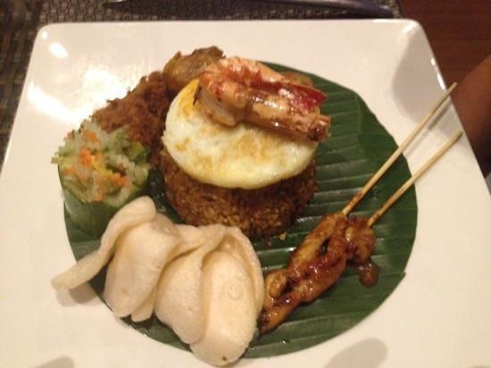 Verandah Alfresco at Eastparc Hotel: nasi goreng yogyakarta