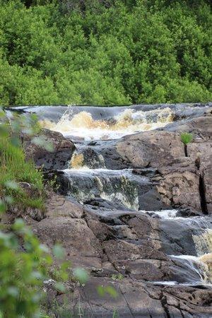 Ruskeala Waterfalls: Рускеальские водопады