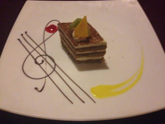 Ocean Maya Royale: One of our lovely desserts! Food was excellent!