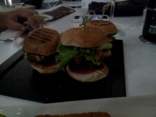 Talbot and Bons: Mini Beef Burgers Platter