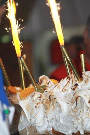 IBEROSTAR Mehari Djerba : torta a sorpresa