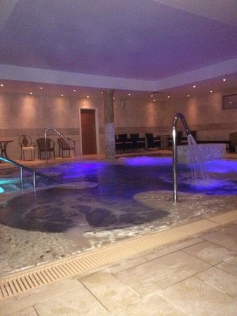 Lion Quays: Hydro pool in spa