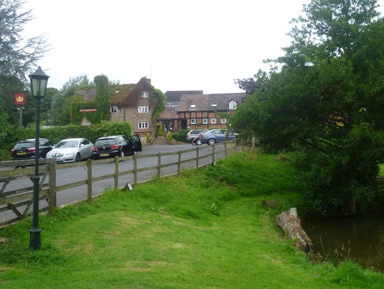The Crown At Hopton: outside