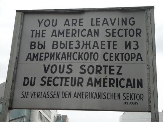 Regent Berlin: Checkpoint Charlie
