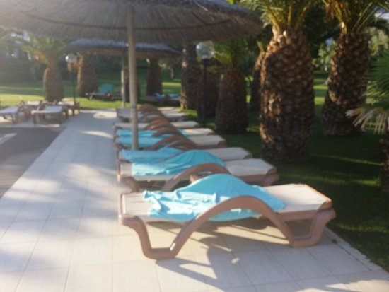 Hotel Samara : Transats réservés à 7H40