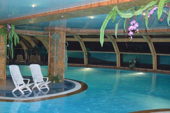 Nature Resort Yahonty : Вечером в бассейне никого
