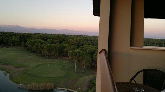 Sueno Hotels Golf Belek : вид с балкона - направо