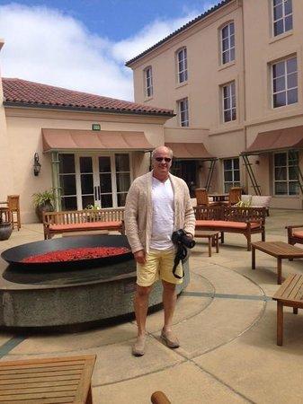 Hyatt Vineyard Creek Hotel: Courtyard