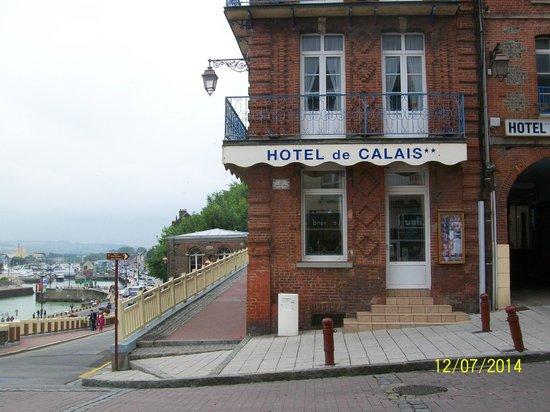Hotel de Calais : facade hotel