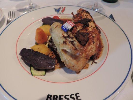 Le Moulin de Bourgchâteau : poulet de bresse aux truffes