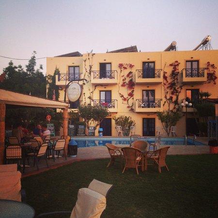 Hotel Eltina: .