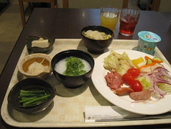 Hotel Sunroute Taipei: 個性の無い朝食 ただし十分