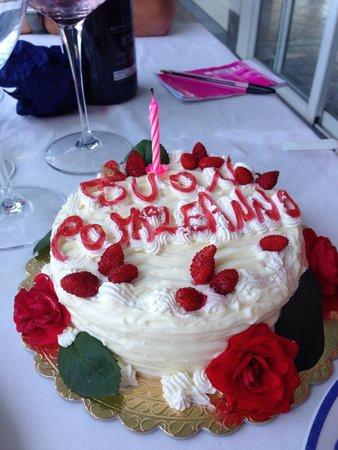 Ristorante Bagni Delfino: Birthday cake