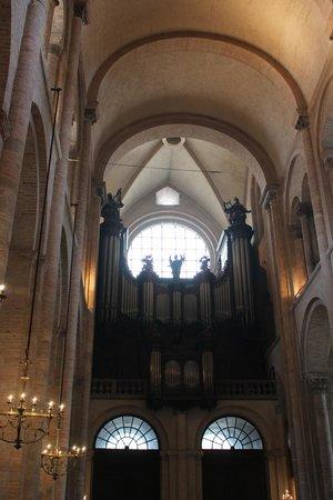 Basilique Saint-Sernin : another scene in the church