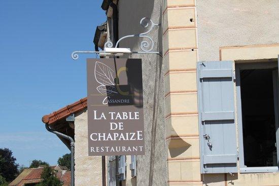 La Table de Chapaize: L'enseigne du restaurant