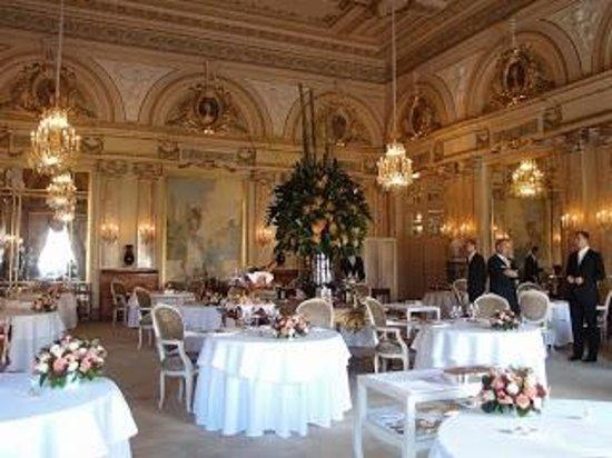 Le Louis XV - Alain Ducasse à l'Hôtel de Paris: Inside the beautiful Louis XV of the Hotel de Paris