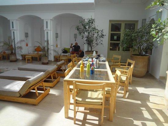 Riad Marrabahia: salle a manger