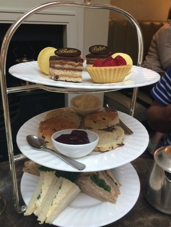 Bettys Cafe Tea Rooms: Afternoon tea