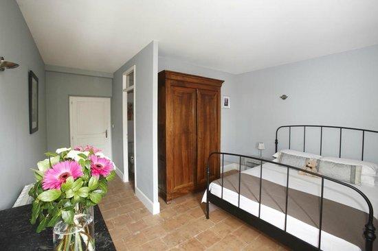 Maison Dix: Syrah bedroom