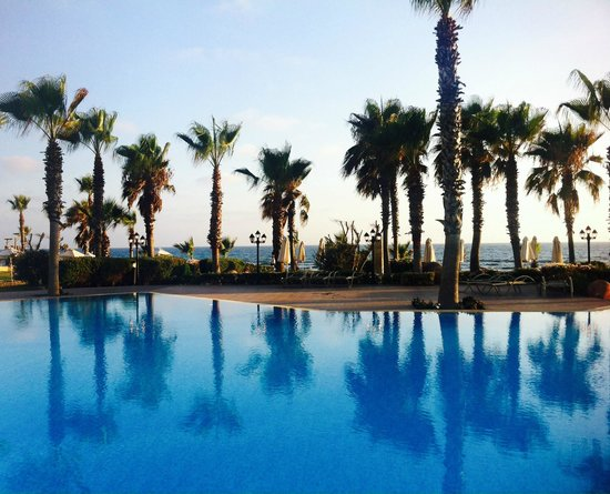 Aquamare Beach Hotel & Spa: Swimming pool