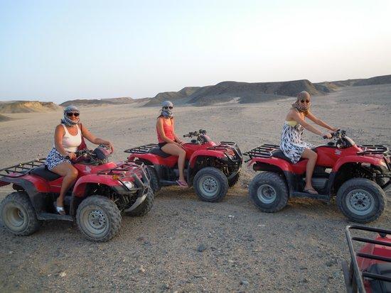 Concorde Moreen Beach Resort & Spa Marsa Alam: trascinata dalle figlie in gita su quad al tramonto, ma bella!