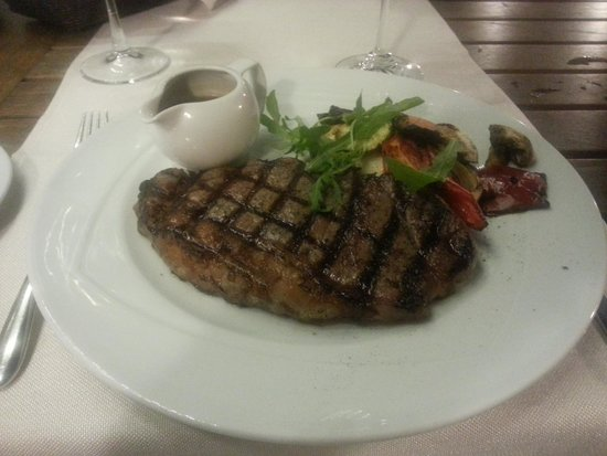 Di Wine Restaurant & Wine Cellar: Kobe style steak