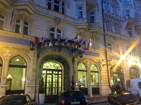 Hotel Paris Prague: Esterno hotel