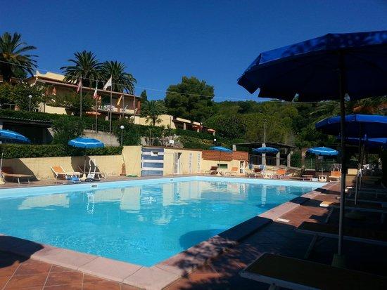 Villaggio Turistico La Valdana: piscina fel residence