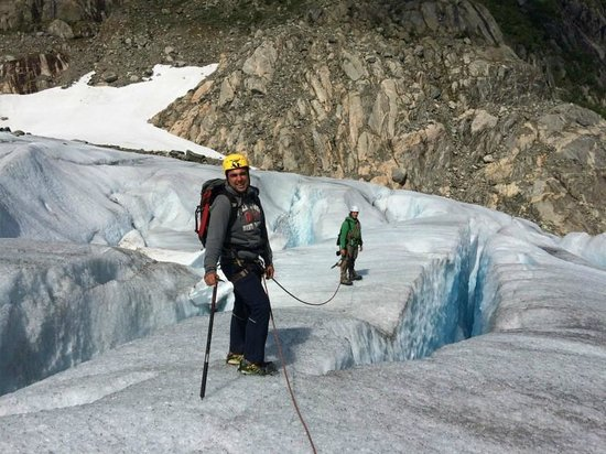 FlatEarth Norway: Glacier walk
