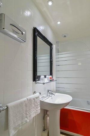 Hotel Astoria - Astotel: SALLE DE BAIN/BATHROOM