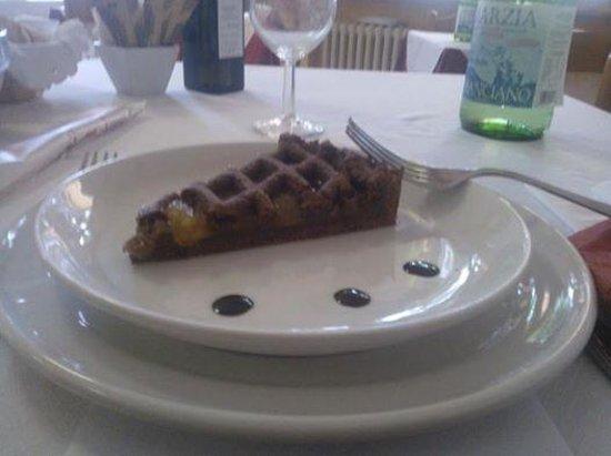 Hotel Santa Caterina: torta fatta in casa per pranzo