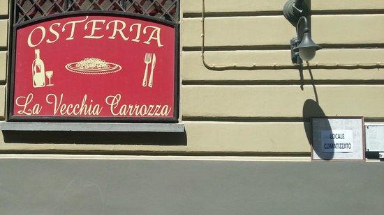La Vecchia Carrozza: Restaurant sign