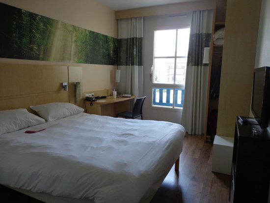 ibis Styles Deauville Villers : vue de la chambre 217