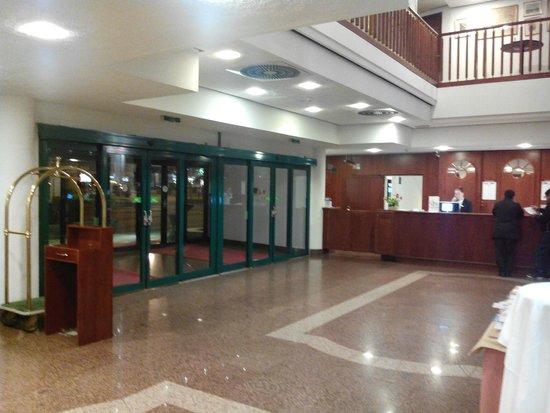 Arcotel Wimberger Hotel : la réception de l'hôtel