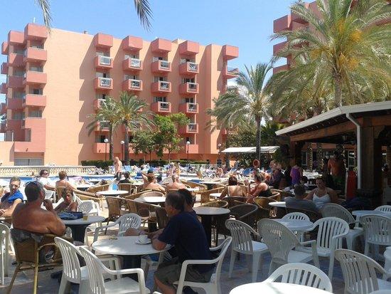 OLA Hotel Maioris: vue du bar