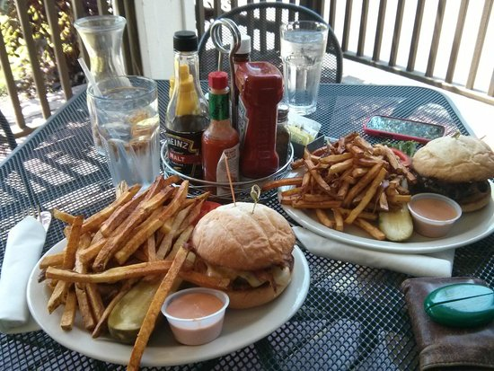 MacPhail's Burgers: Small 1/3lb burgers and fries