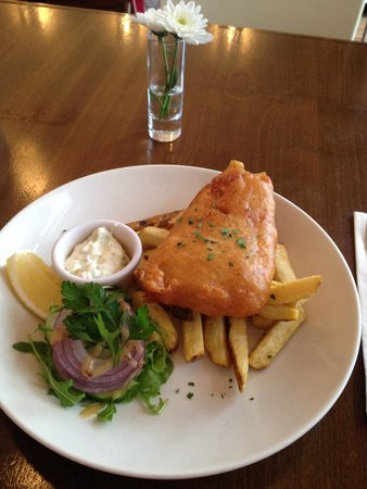 The Three Q's Restaurant : Half portion of fish and chips €6.95. Perfect size and great value!!