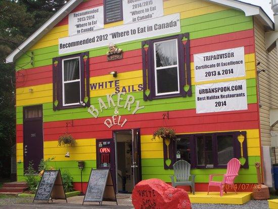 White Sails Bakery & Deli: the building