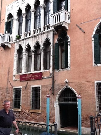 Palazzo Priuli: вид с канала