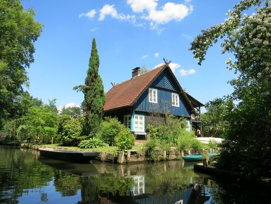 Kahnfahrten im Spreewald: Haus im Spreewald