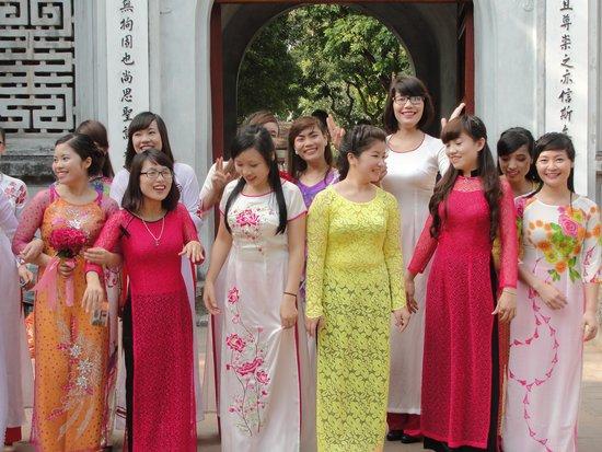 Temple de la Littérature de Hanoï : the vietnamese beauties
