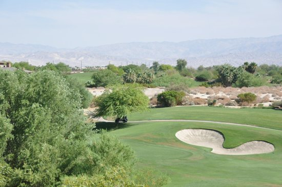 The Westin Desert Willow Villas: View of the golf course from the third floor of Building 6