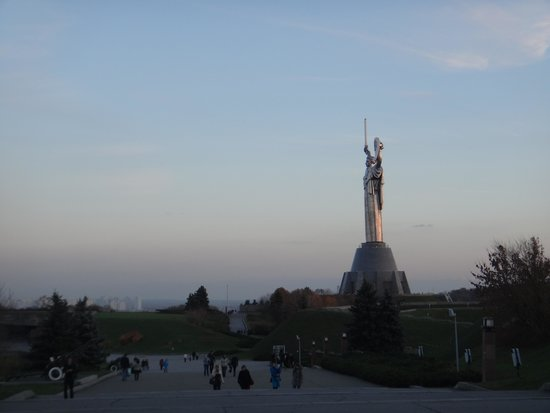 Rodina Mat (Motherland): The great Soviet monument.