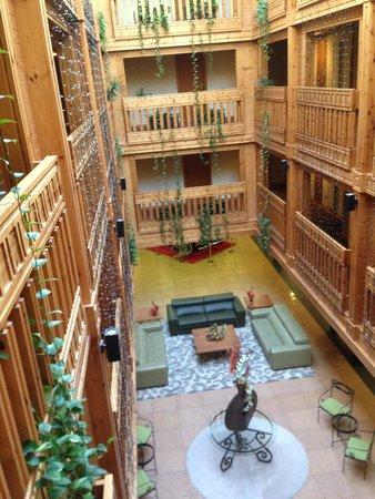 Hotel Nordic: Холл