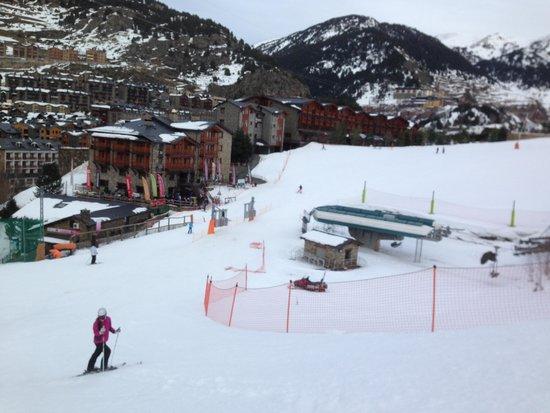 Nordic Hotel: Спускаемся прямо к подъёмнику